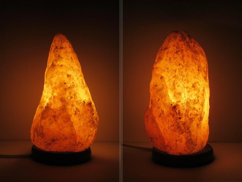lampada di sale rosa design accesa